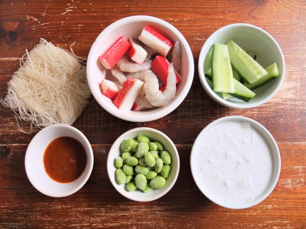 Ingredients - prawns, fishsticks, cucumber, Tom Yum paste, noodles, coconut milk