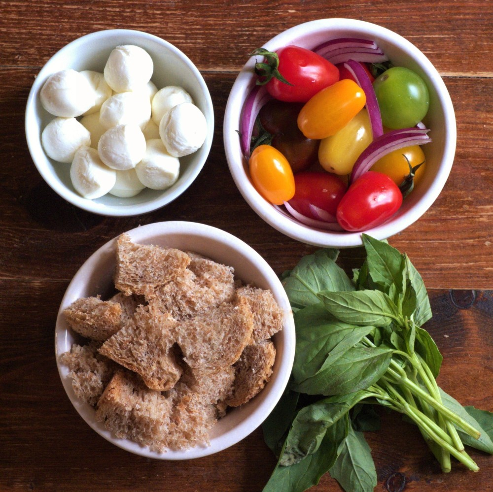 Panzanella ingredients square