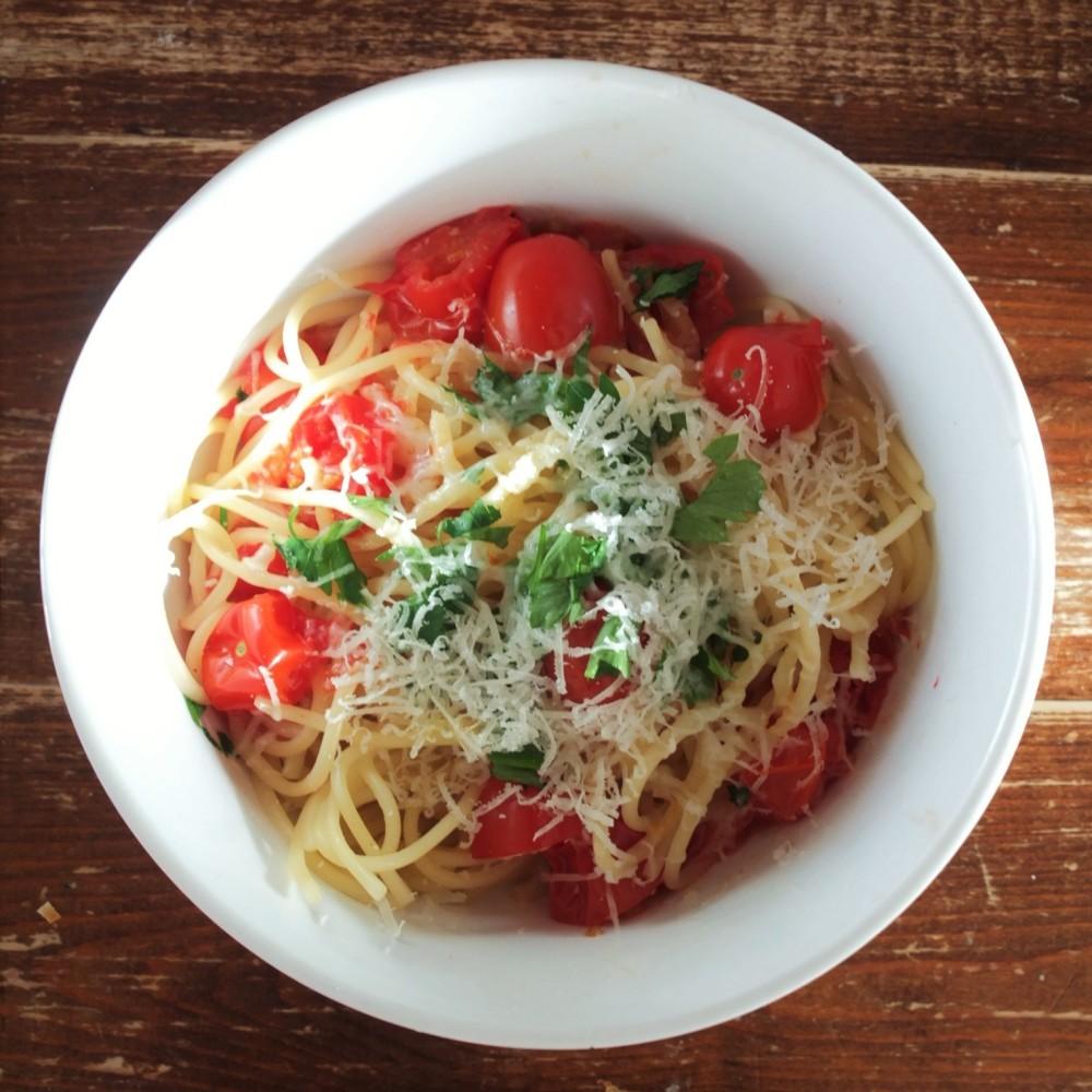 easy tomato spaghetti 3 square