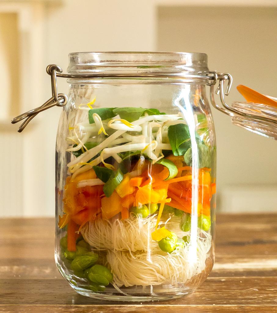 instant noodle soup in a mason jar