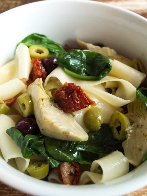 Easy Mediterranean pappadelle pasta